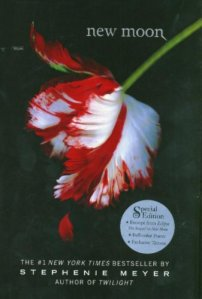 New Moon (Twilight, Book 2)